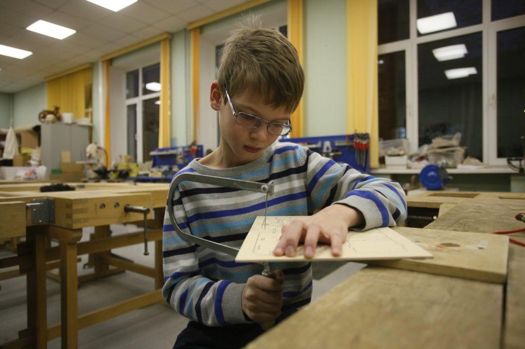 Если человек знает материалы, умеет пользоваться инструментами, он обязательно найдет выход. Фото: архив, «Вечерняя Москва»