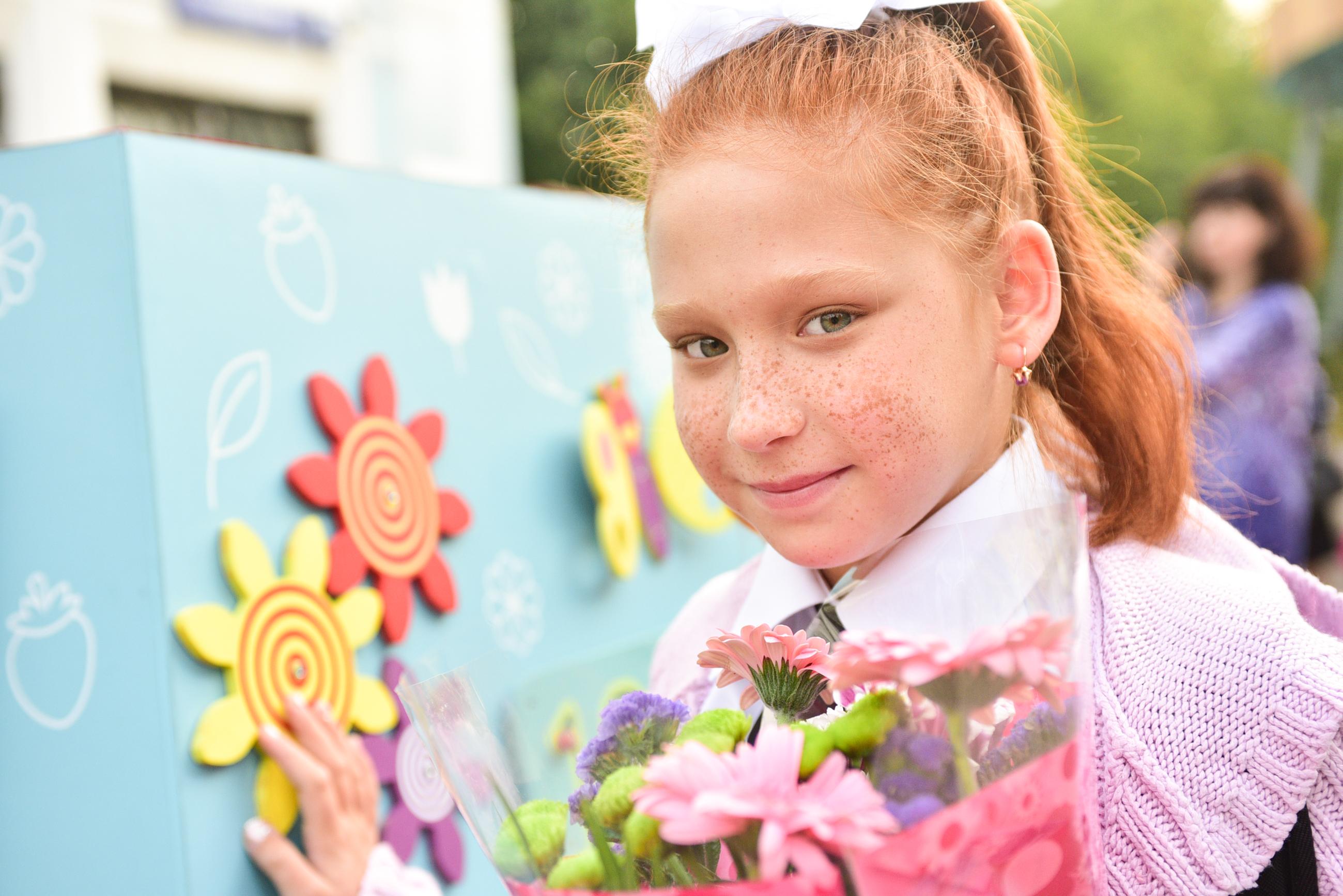 Ученица школы № 2116 Арина Кондратьева, знает, что выделяться в школе нужно умом, а не внешностью. Фото: Пелагия Замятина