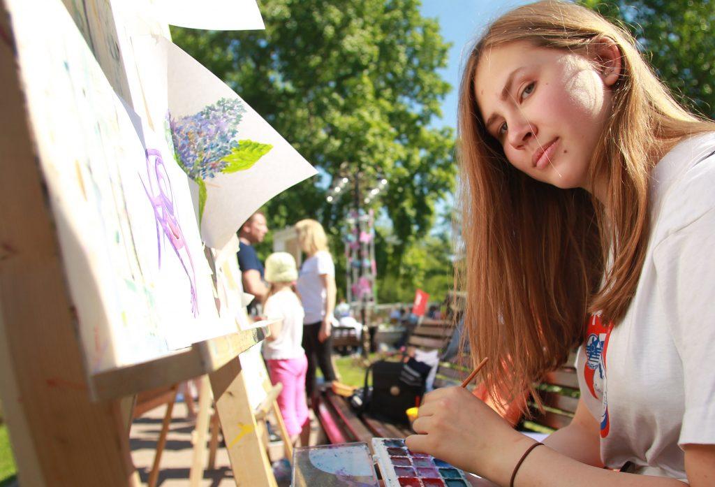 Москвичка Лиза Коловердина любит писать акварелью. Фото: Наталия Нечаева