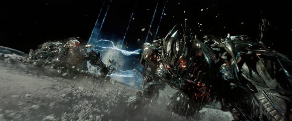 Кадр из фильма «Трансформеры 3: Тёмная сторона Луны», 2011