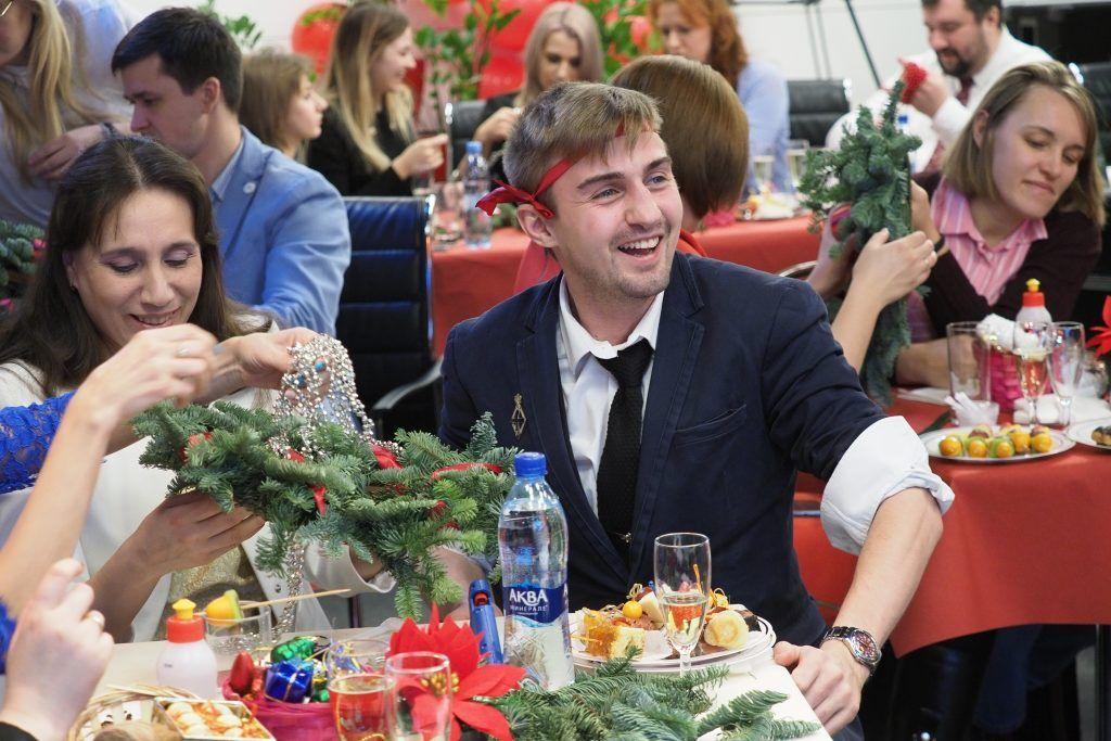 Cтоличные педагоги провели предновогоднюю встречу «Клуба учителей» в редакции газеты «Вечерняя Москва»