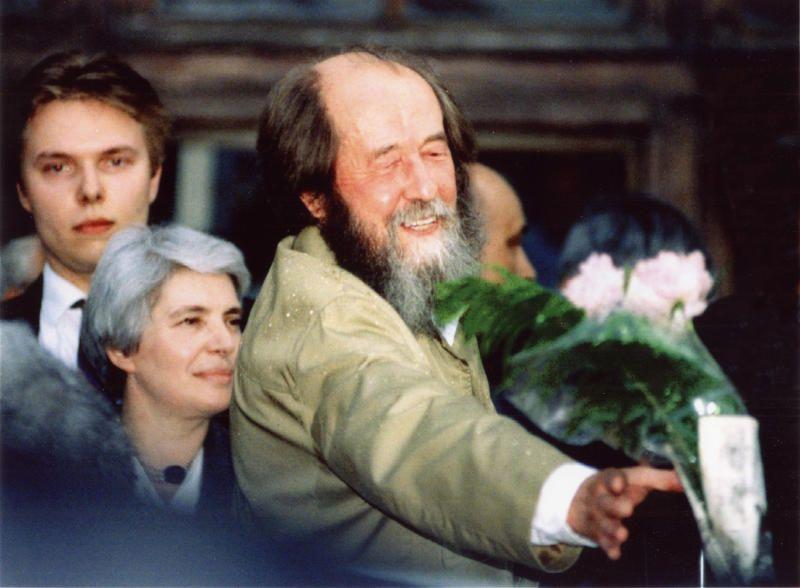 Наталия Дмитриевна Солженицына и Александр Исаевич Солженицын. Из личного архива Солженицыных