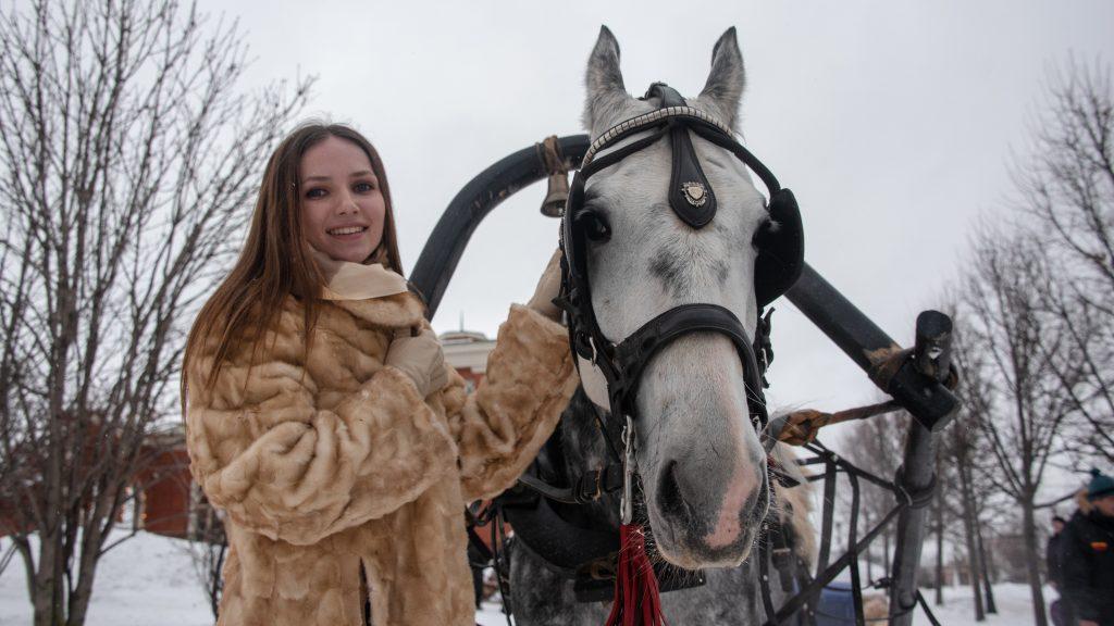 В «Царицыне» красиво и летом, и зимой. Ксения Табакова в этом году отметила здесь свой день Рождения. Пелагия Замятина, «Вечерняя Москва»