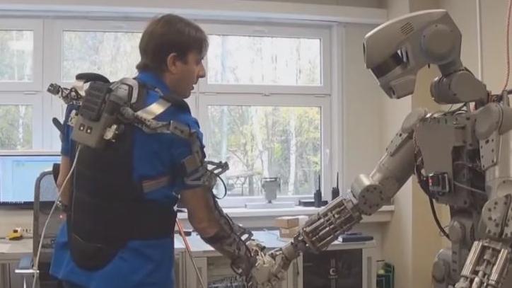 Робот Федор. Cкриншот с видео YouTube (https://www.youtube.com/watch?v=4OrGSn48Qrg
