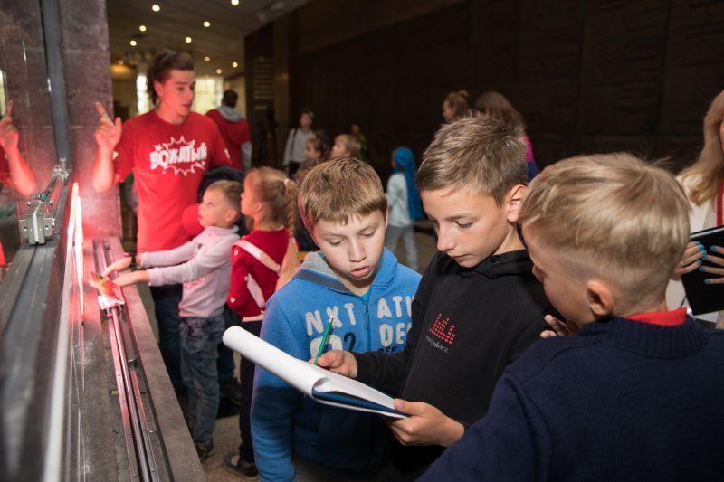 Участники московского летнего клуба побывали в лабиринтах прошлого