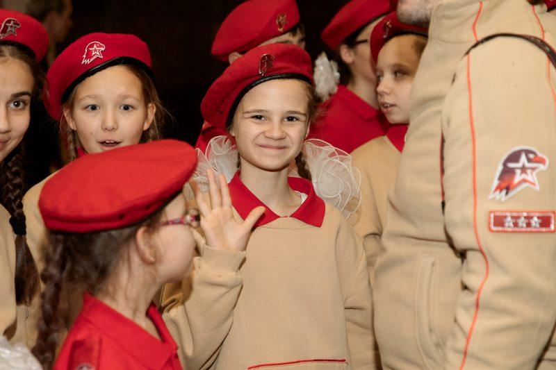 """Более 200 московских школьников вступили в ряды """"Юнармии"""" в Музее Победы"""