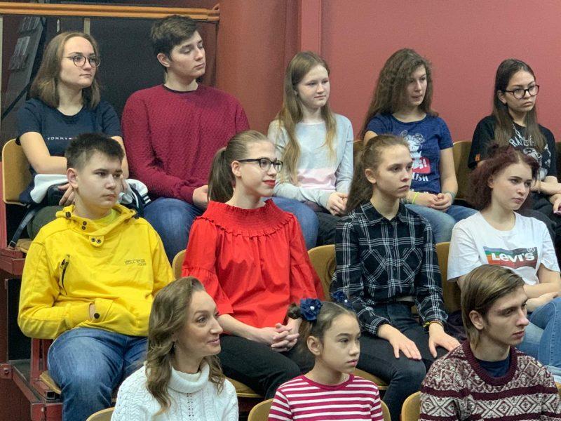 Вообразить и фантазировать: московские школьники осваивают вахтанговскую театральную традицию