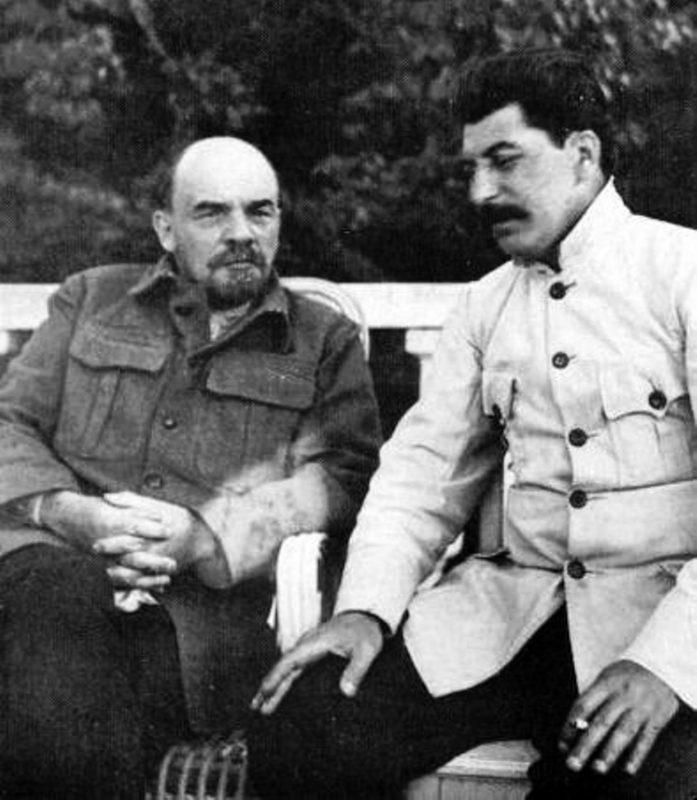 В. И. Ленин и И. В. Сталин / Wikipedia, Общественное достояние