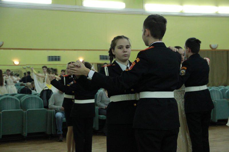 Кадеты московских школ готовятся к традиционному рождественскому балу
