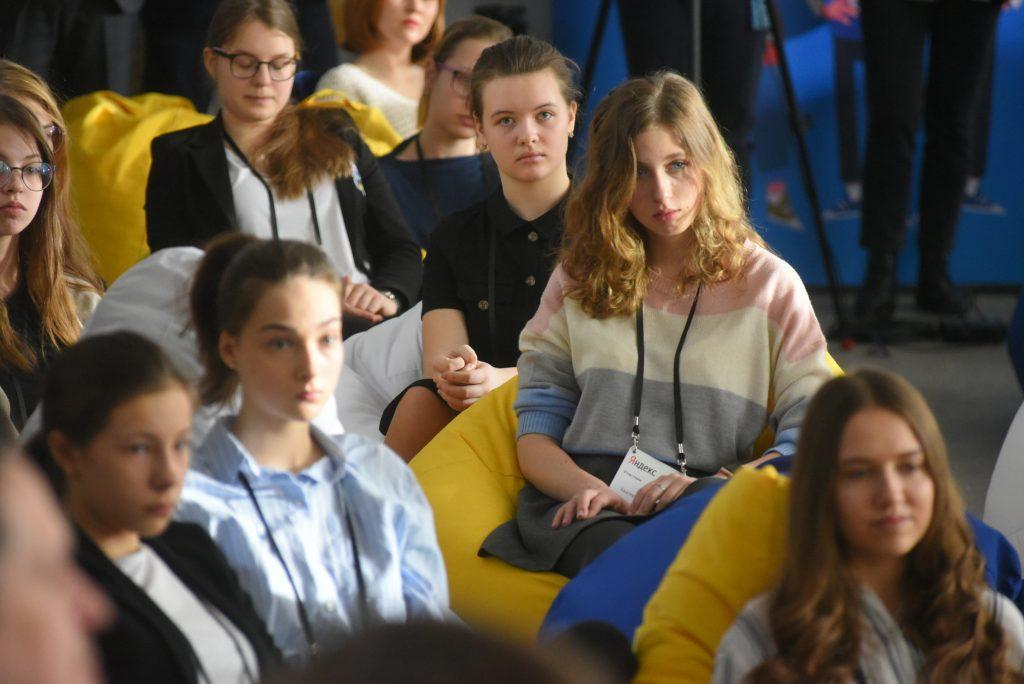 Девятиклассники школы № 1514 со всей серьезностью отнеслись к лекции специалистов «Яндекса», ФОТО: Александр Кожохин