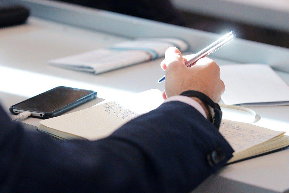 Нельзя ориентировать школьников на сдачу только двух-трех предметов на ЕГЭ, pixabay.com
