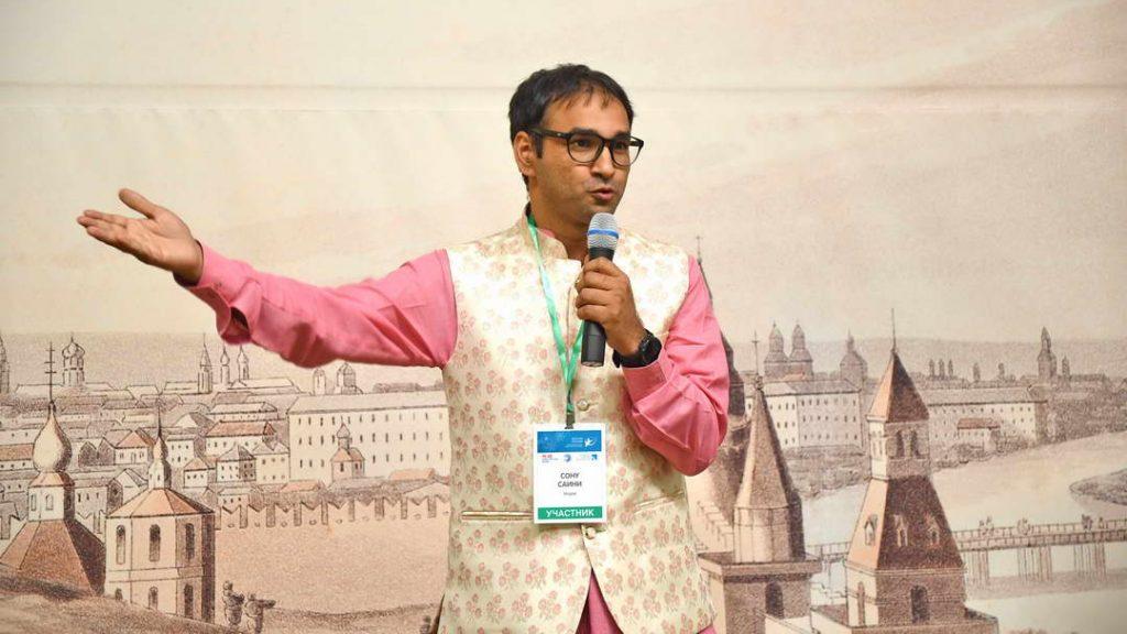 В прошлом году в конкурсе «Закачай знания!» занял первое место учитель русского языка из Индии Саини Сону, ФОТО: предоставлено пресс-службой международного конкурса «Закачай знания!»