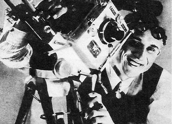 19 декабря 1935 года. Советский кинооператор, заслуженный деятель искусств РСФСР Эдуард Тиссэ за работой. Фото: kino-teatr.ru