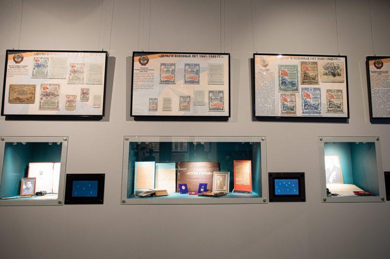 Около 100 раритетов из школьных экспозиций представили в Музее Победы