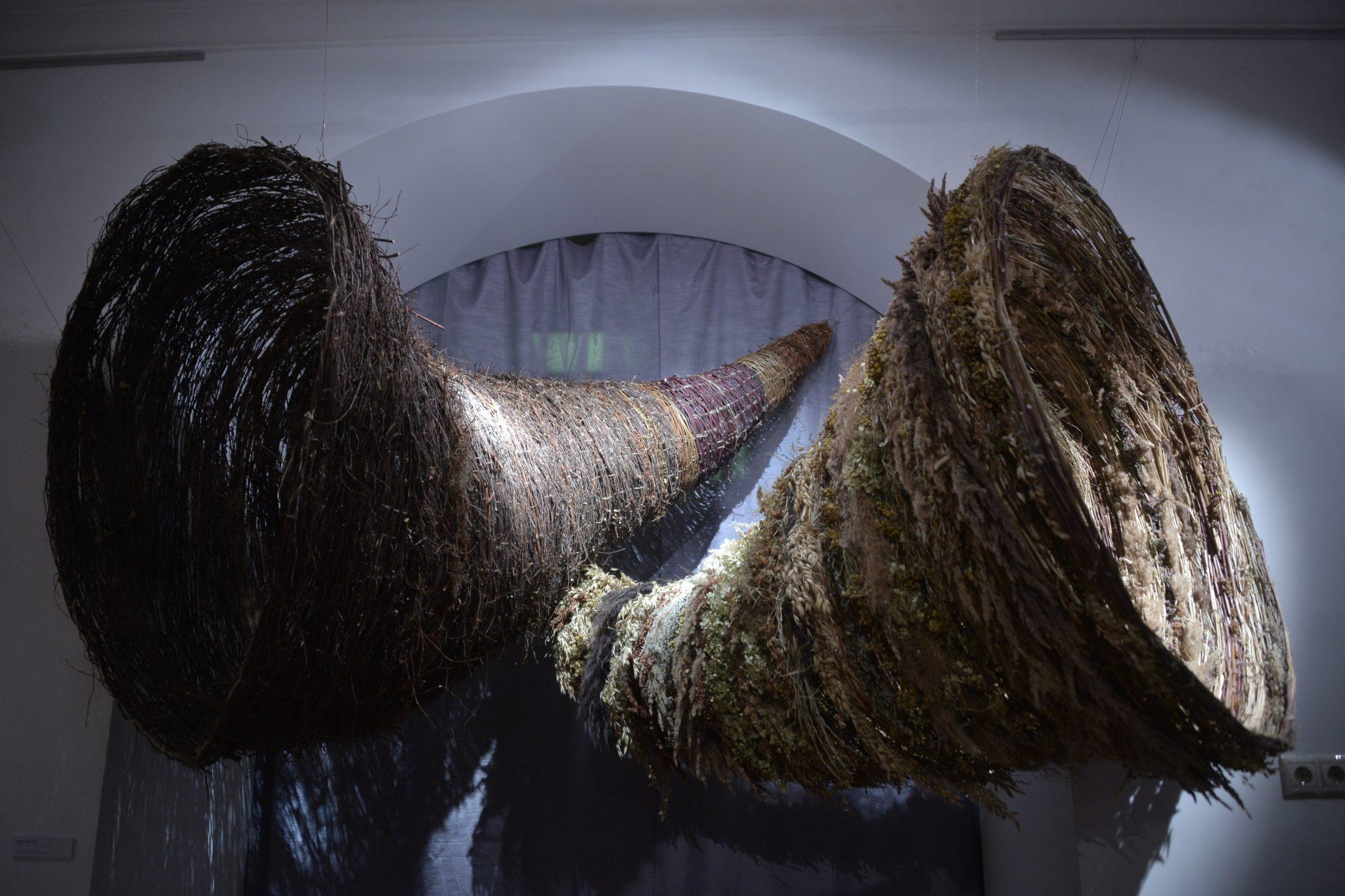 Экспонаты, сотканные из трав