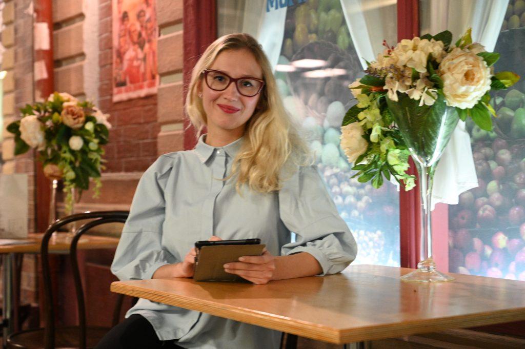 Педагог школы №1995 Галина Бакуркина уверена, что при правильном использовании гаджет станет хорошим помощником в учебе